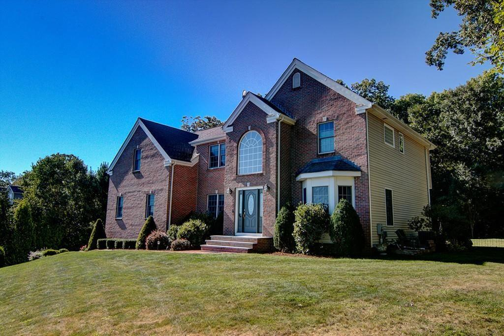 19 Red Brook Xing Lincoln Ri 02865 4 Bed 35 Bath Single Family