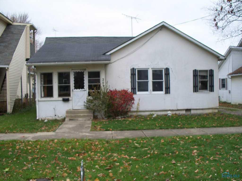 203 S Main St Hicksville Oh 43526 2 Bed 1 Bath Single Family