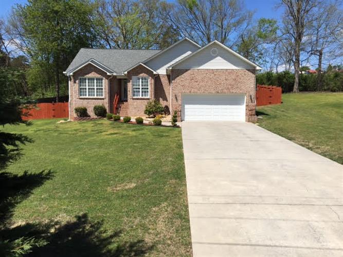 518 Texas St, Seymour, TN 37865 - 2 25 Bath Single-Family