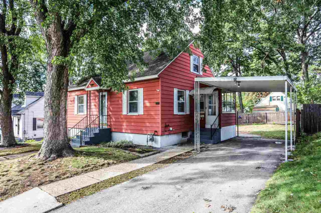 202 Holly Ave Manchester Nh 03103 3 Bed 1 Bath Single Family