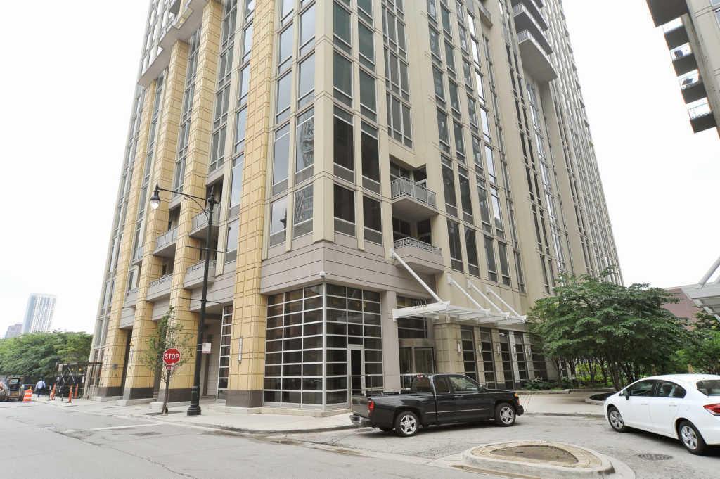 700 N Larrabee St 905 Chicago IL 60654
