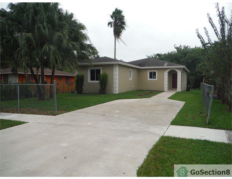 325 NW 3rd St, Homestead, FL 33034 - 4 Bed, 3 Bath Single-Family