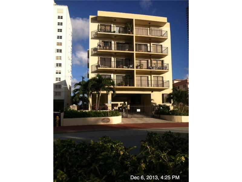 6444 Collins Ave #A4