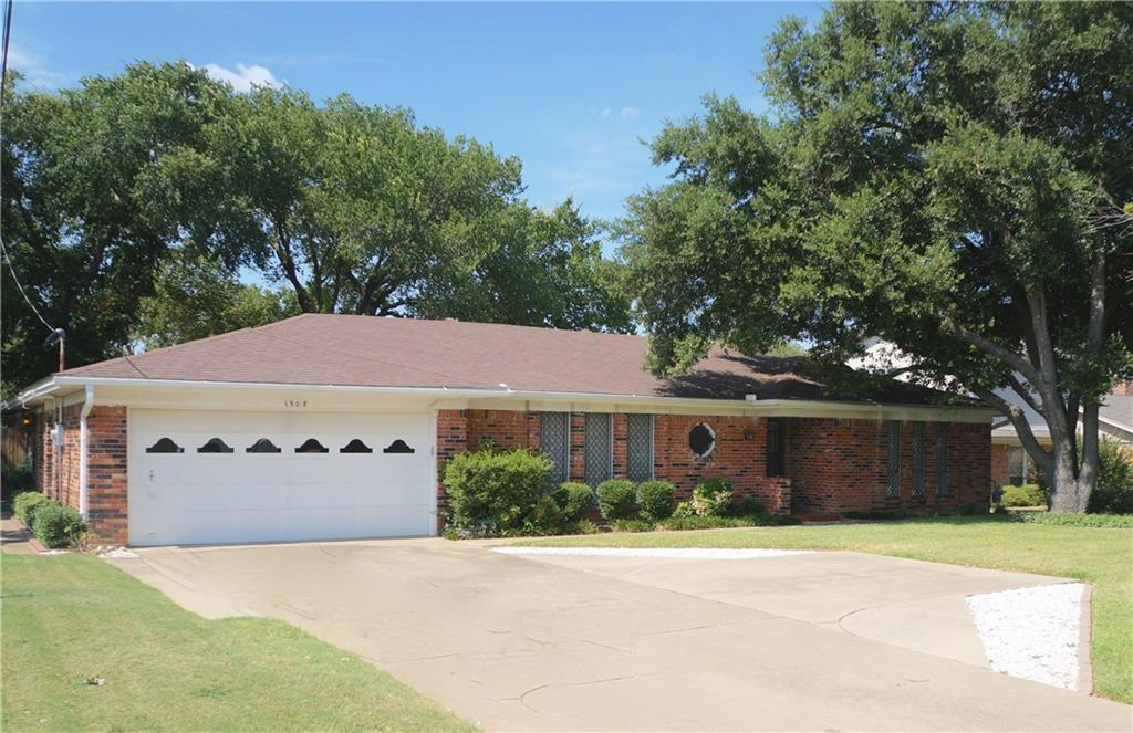 1508 Sycamore School Rd Fort Worth Tx 76134 3 Bed 2 Bath Single