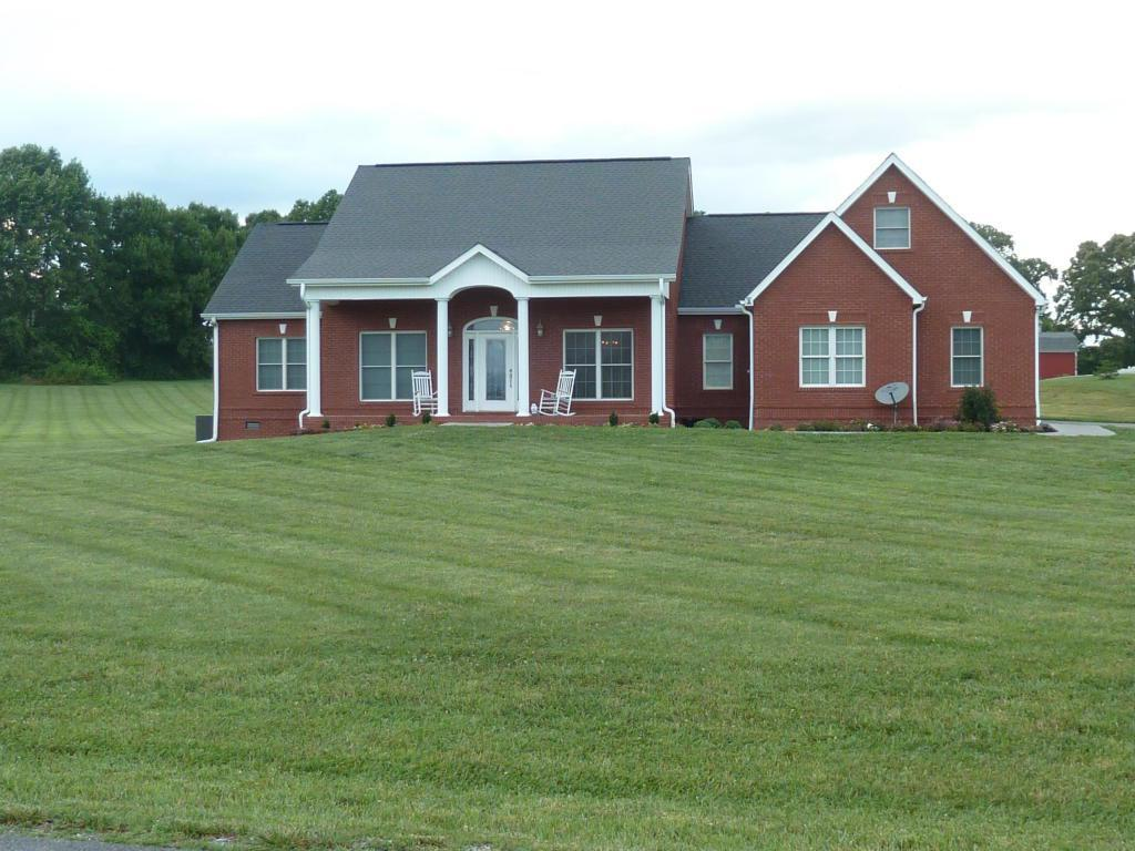 752 Westfield Way, Seymour, TN 37865 - 2 5 Bath Single