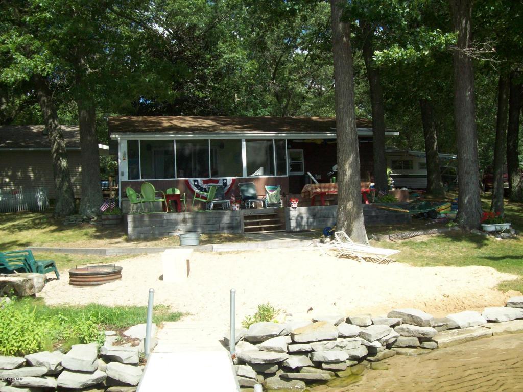 2469 Lake St