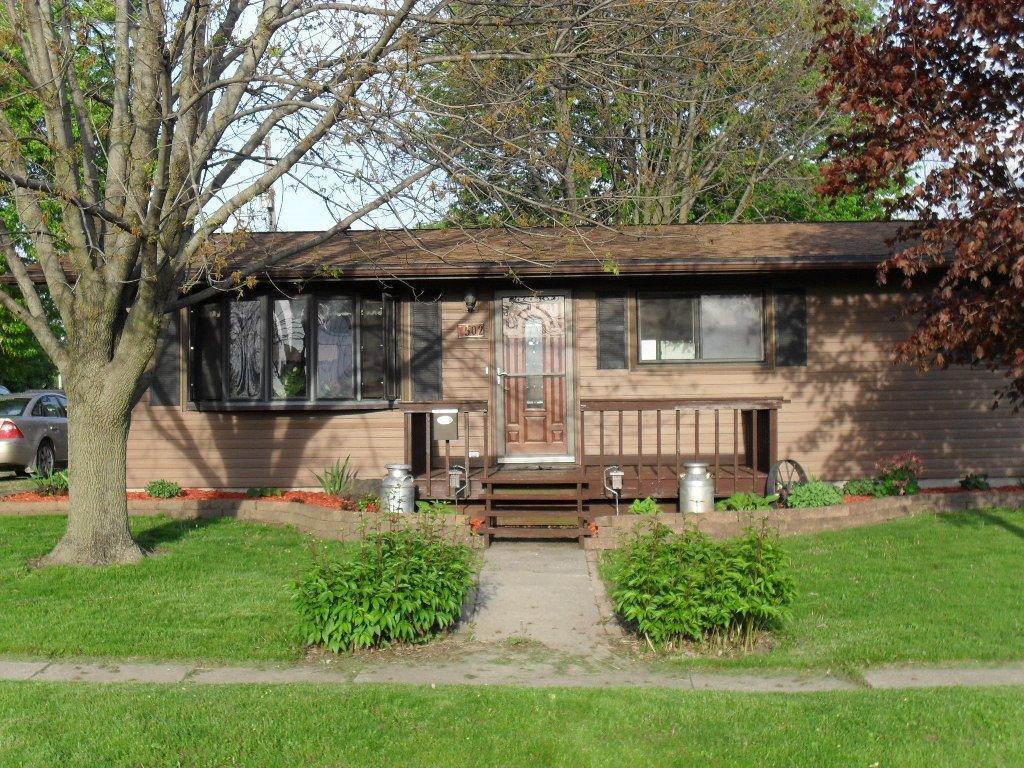 502 N Lee St, Mount Pleasant, IA 52641 - Single-Family Home