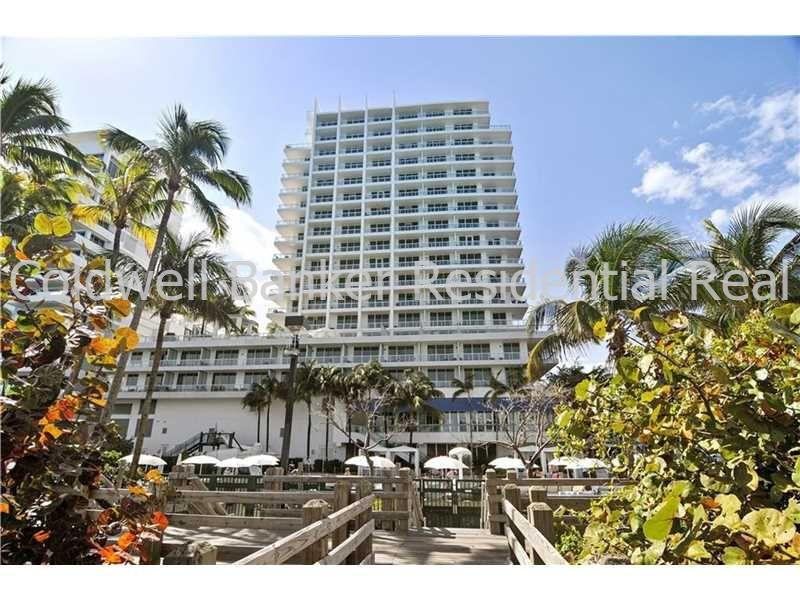 4391 Collins Ave #523