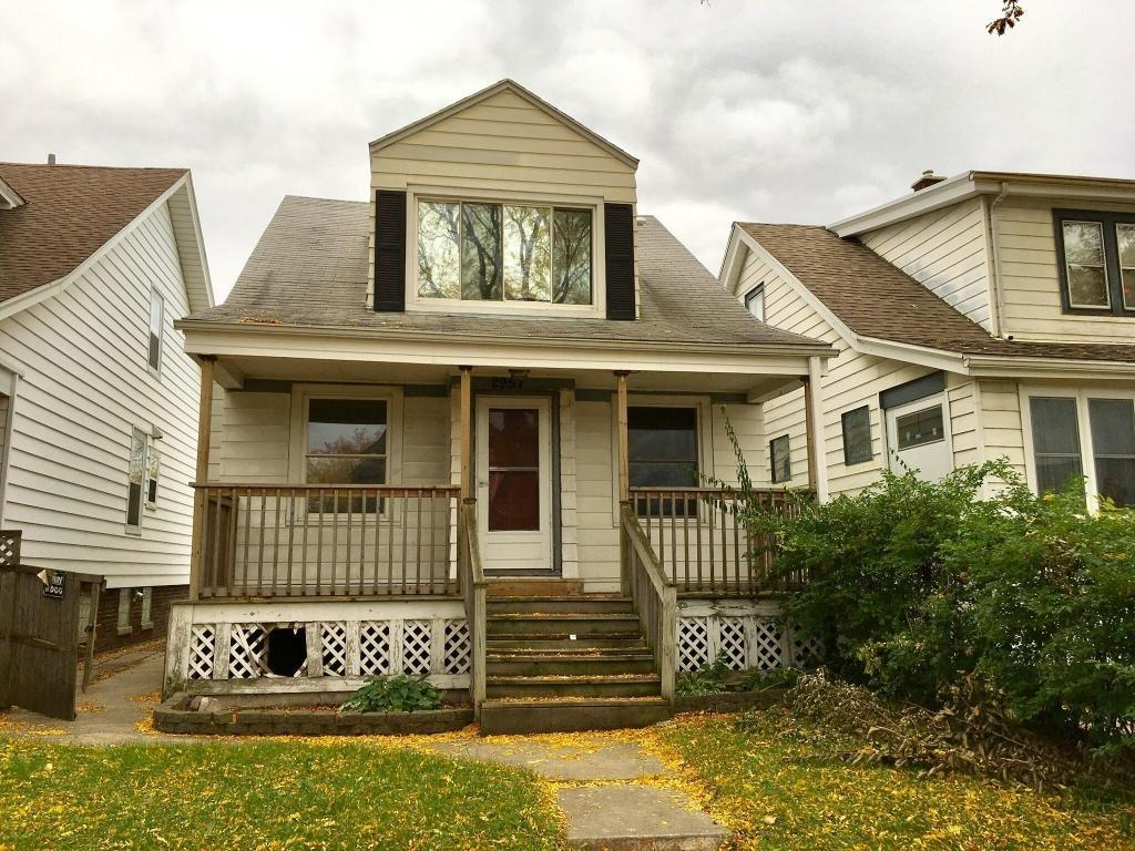 2957 S 9th St, Milwaukee, WI 53215 - Estimate and Home Details | Trulia