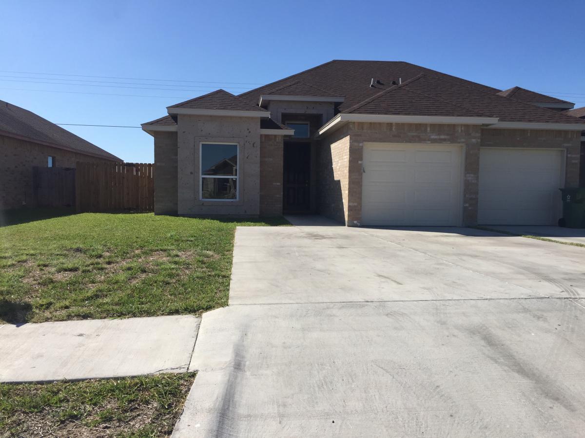6701 Garden Woods Ave Duplex Rent Brownsville Tx 78526 3 Bed 2