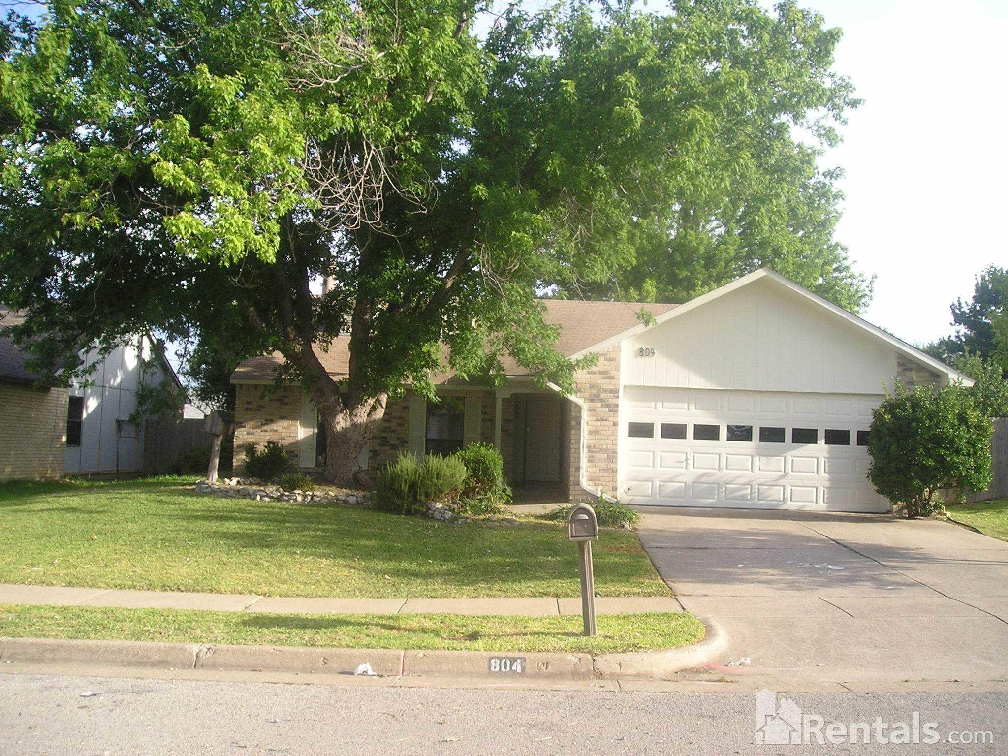 love residents grand at apartments townhomes bedroom living arioso in tx prairie arlington for come our near why see rent