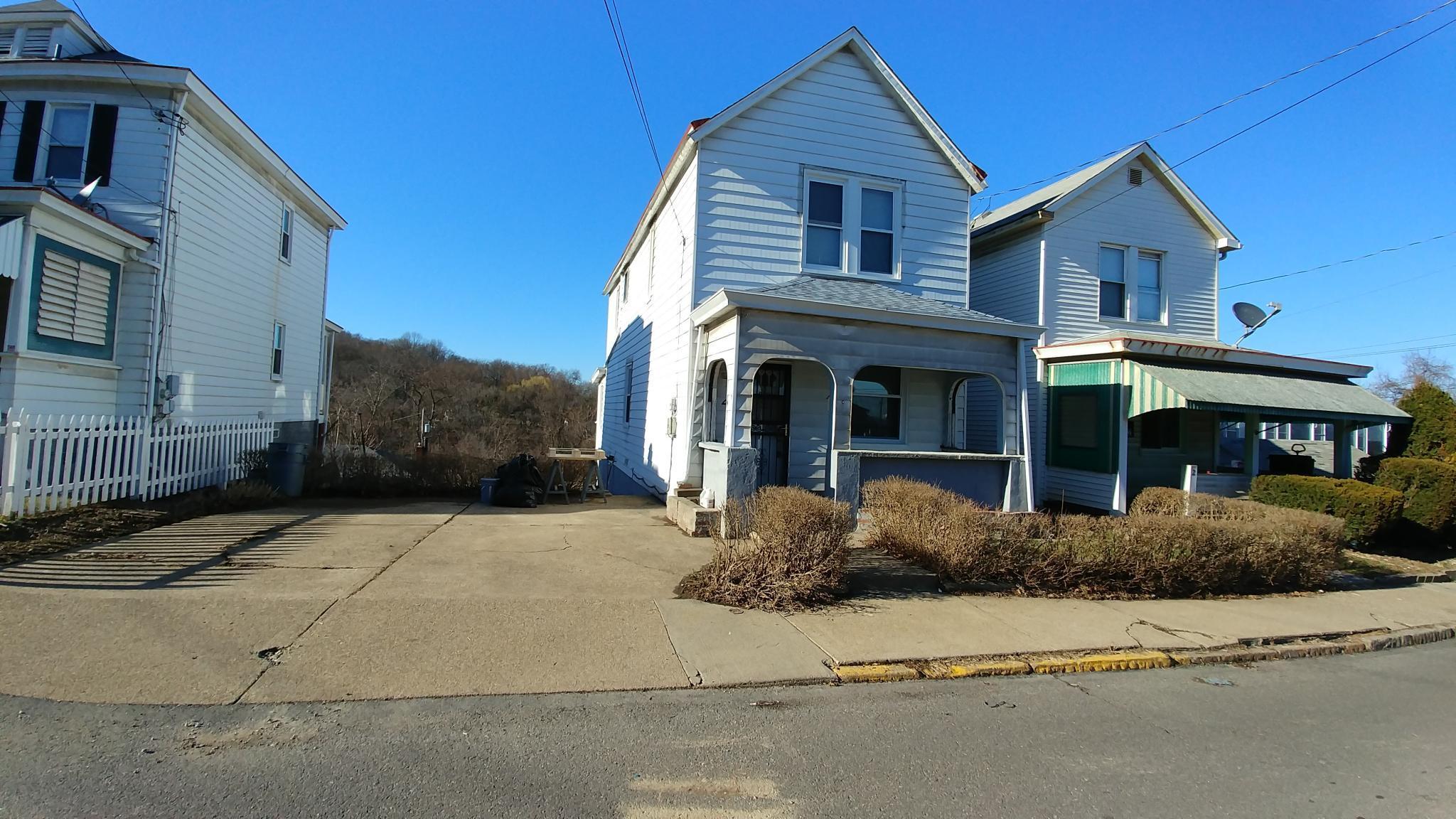4 Harlem Ave, Mc Kees Rocks, PA 15136 For Rent | Trulia