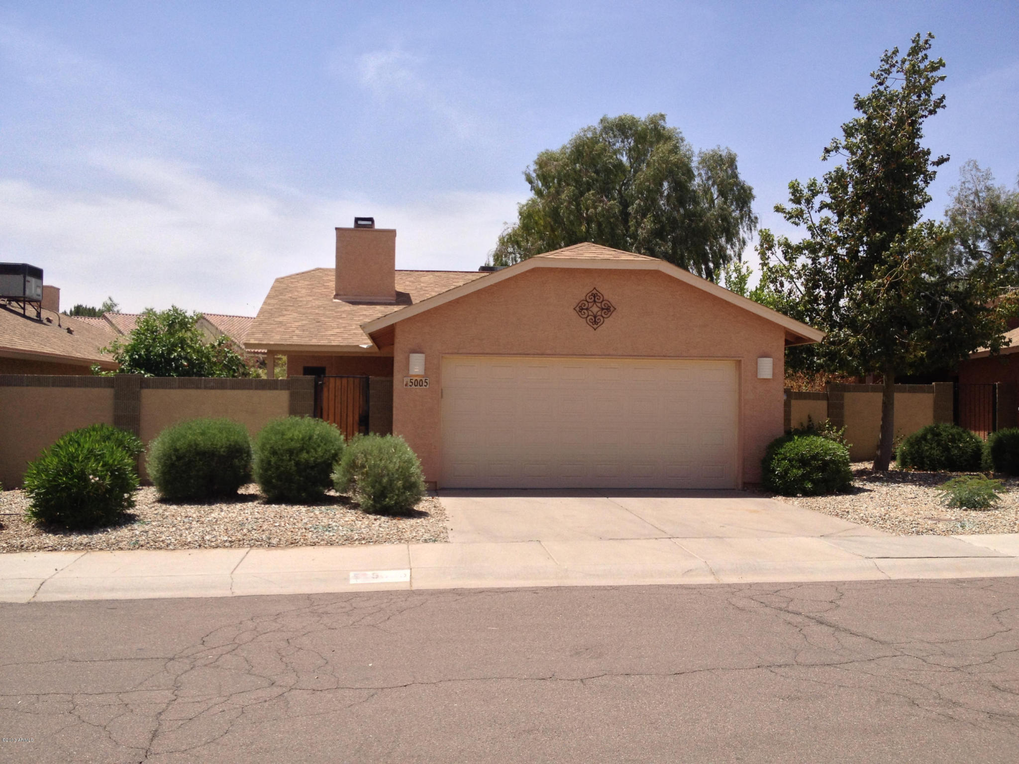Who lives at 5005 Shomi St, Phoenix AZ | Rehold
