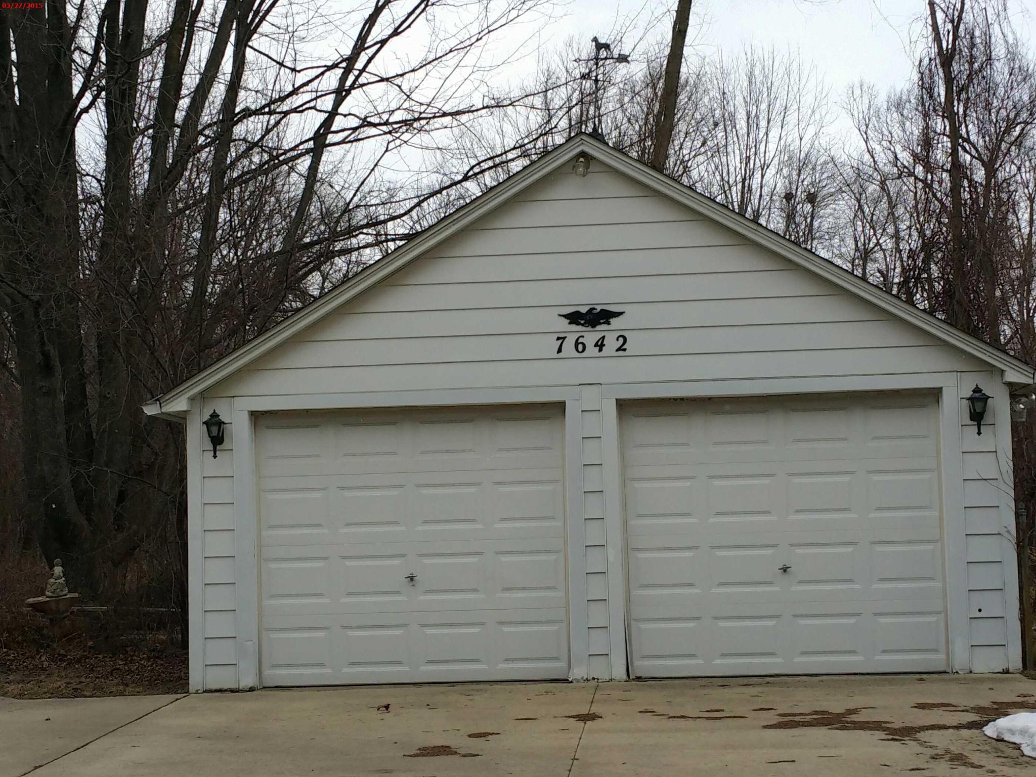 7642 Pontiac Lake Rd Waterford Mi 48327 Estimate And Home Garage