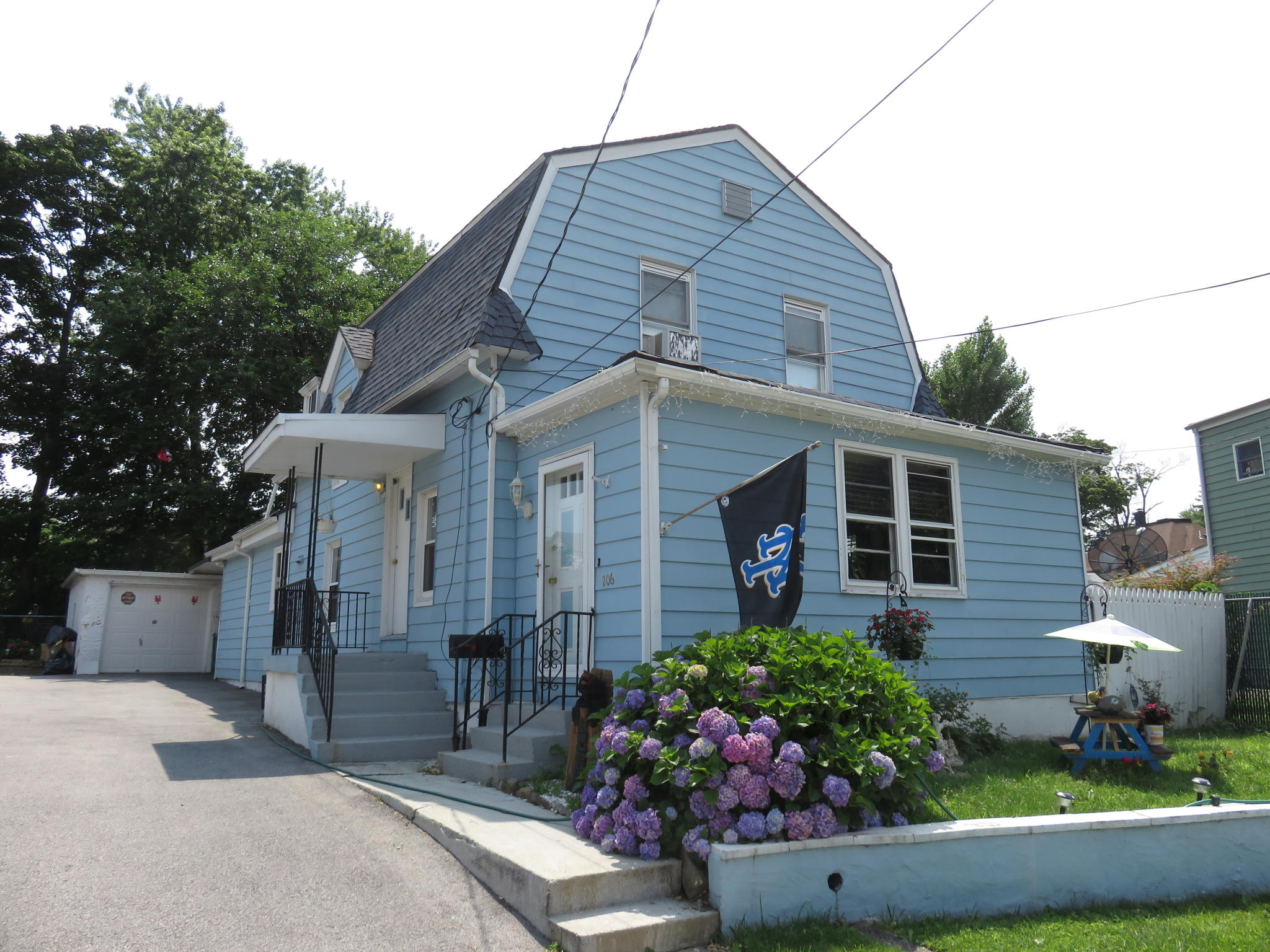 206 Stone Ave, Yonkers, NY 10701 - Estimate and Home Details | Trulia