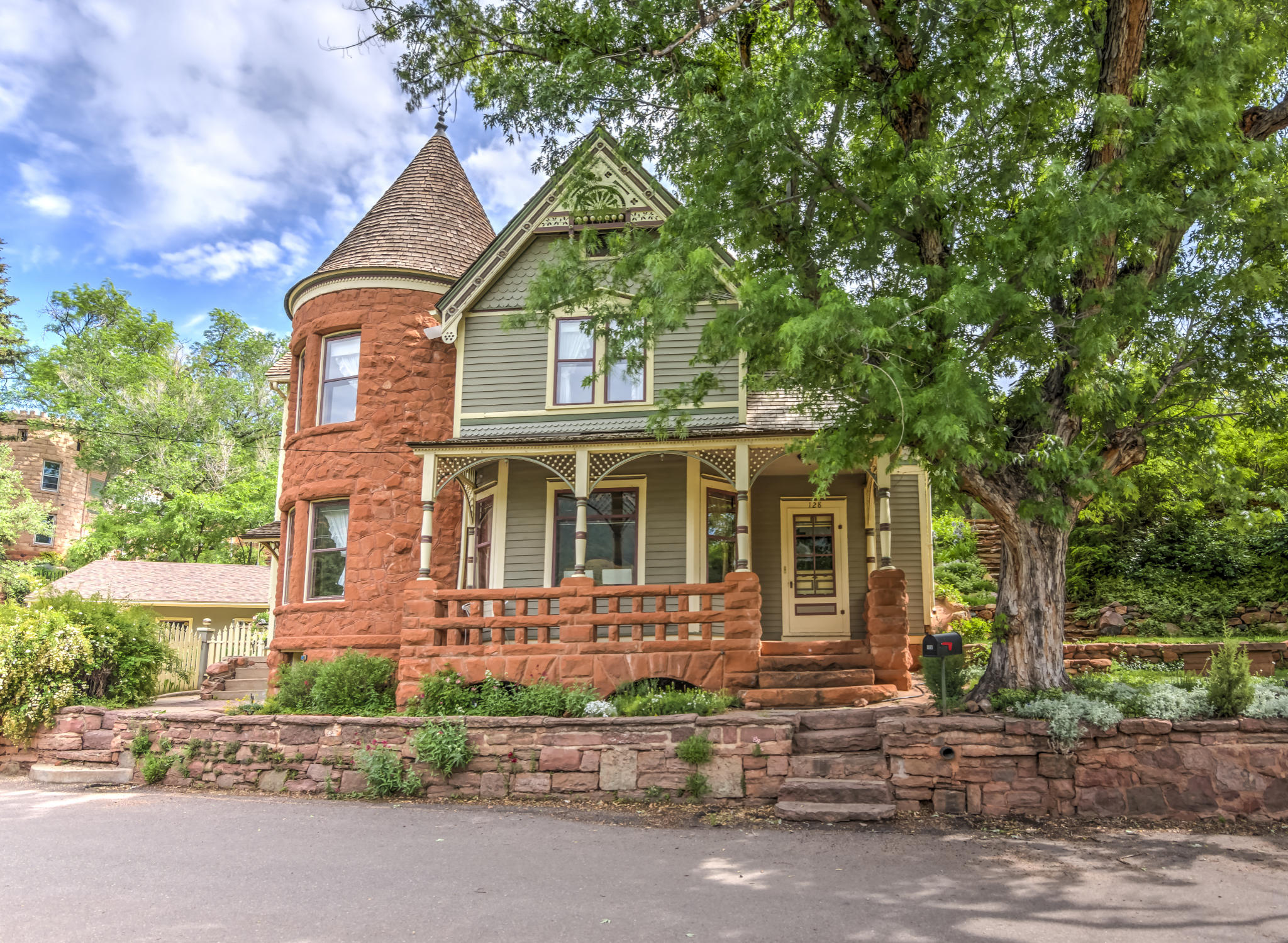 128 Spencer Ave Manitou Springs CO 80829