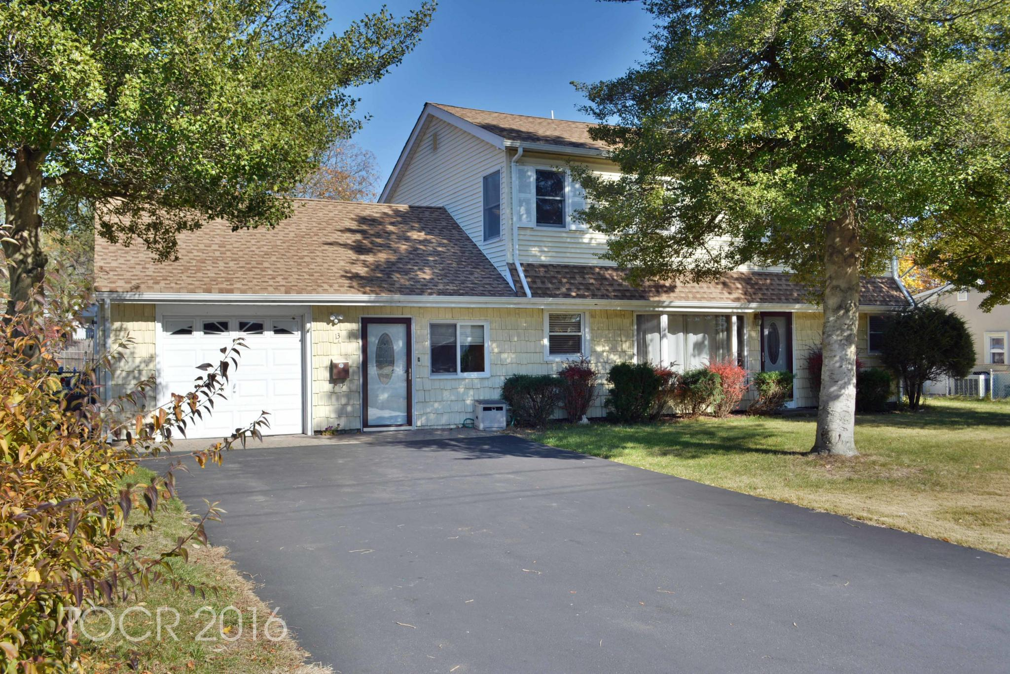 13 stuart ln, wayne, nj 07470 - estimate and home details | trulia
