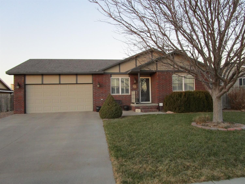 913 Amy St, Garden City, KS 67846 - Estimate and Home Details | Trulia