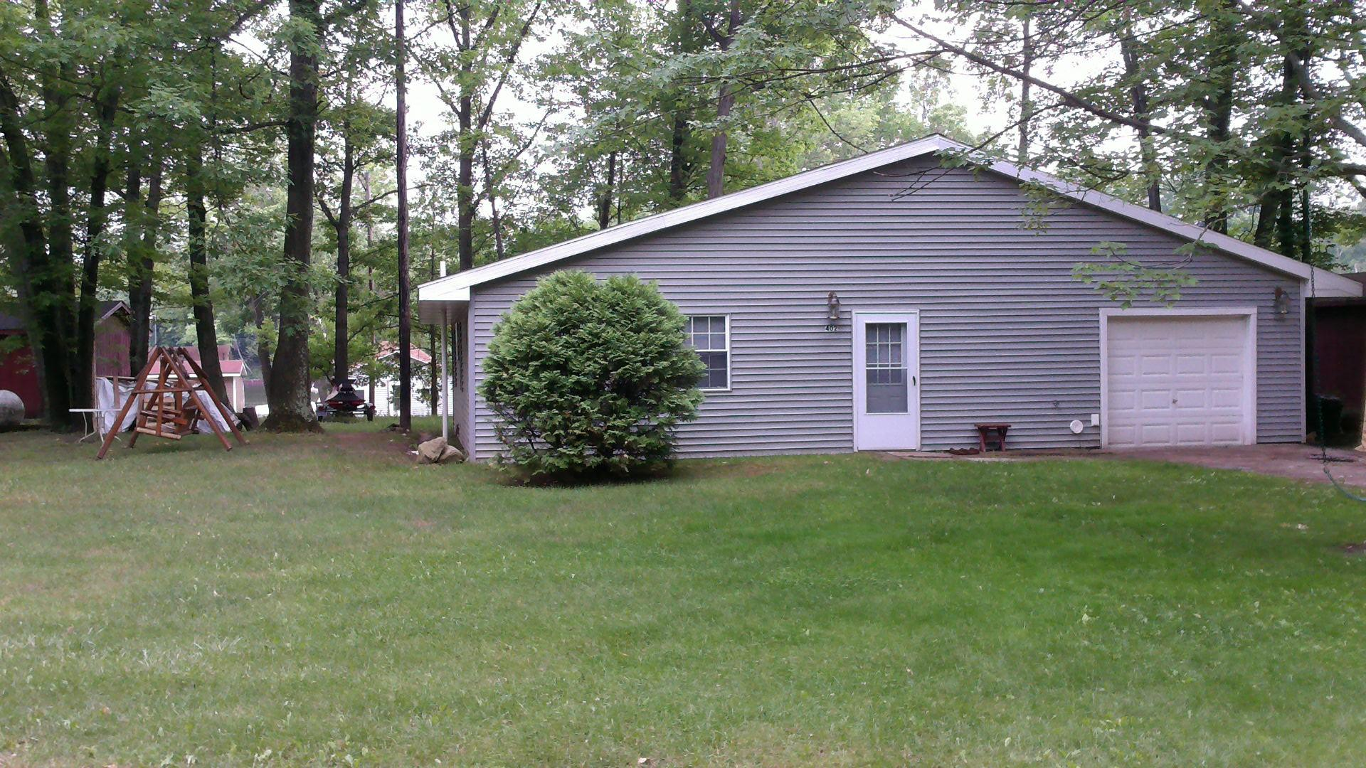 rentals the lakethe sized cabins houghton bedroom bed on crest full cabin lake with resort two