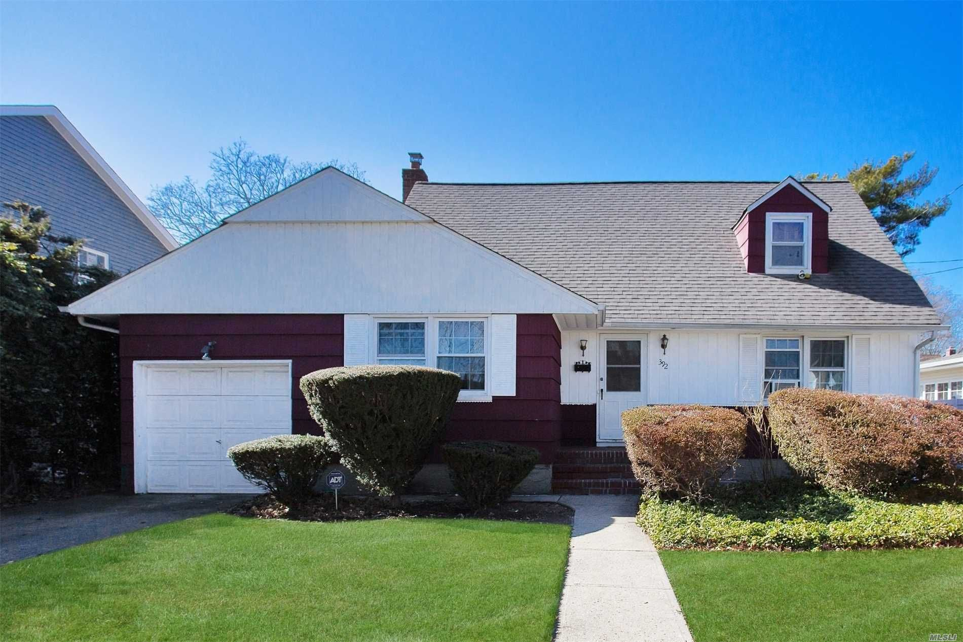 392 Fenimore Ave, Uniondale, NY 11553 - 4 Bed, 2 Bath Single-Family Home -  MLS #*1338569 - 20 Photos | Trulia