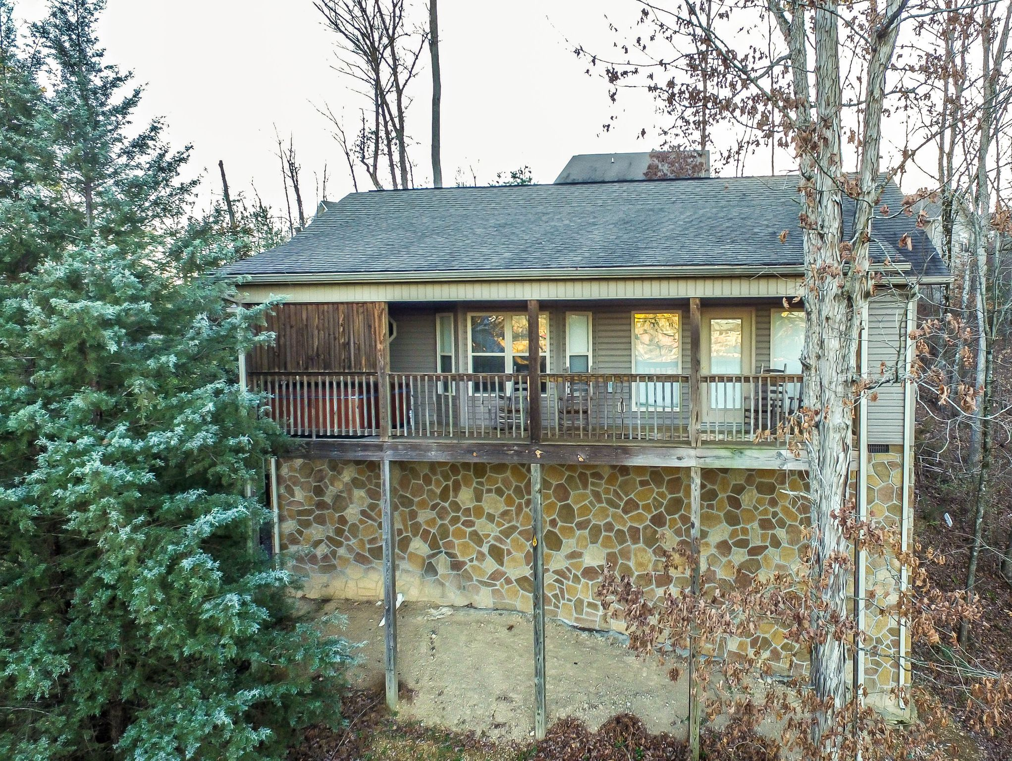 bedroom cabin cabins pigeon forge for in house trout sale rental