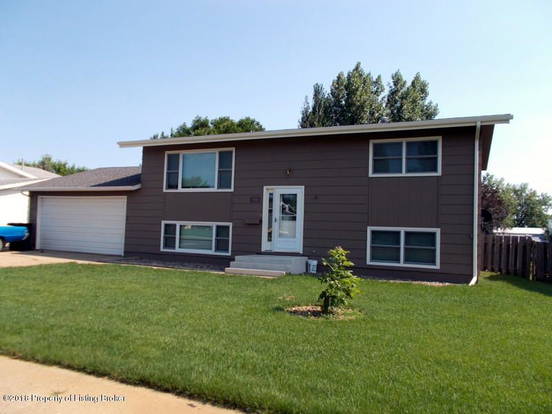 436 North Dr Dickinson Nd 58601 3 Bed 2 Bath Single Family