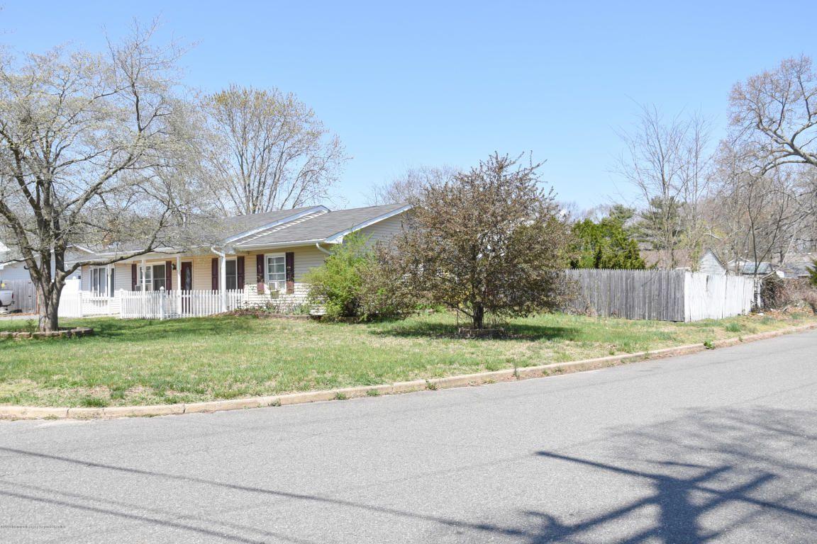 104 Cactus Dr, Lacey Township, NJ 08734 - 3 Bed, 1 Bath Single-Family Home  - MLS #21915983 - 27 Photos | Trulia