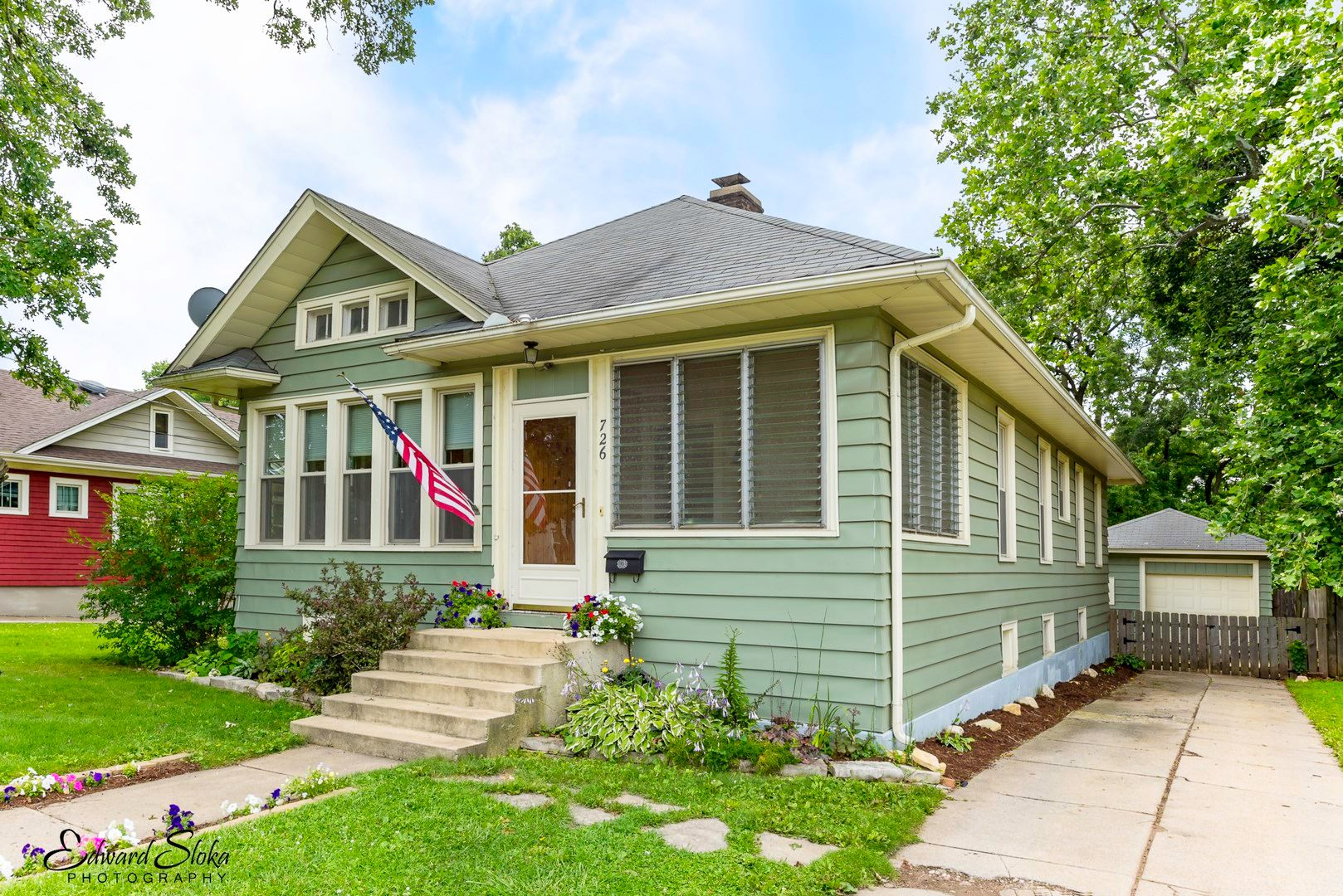 726 n grove ave elgin il 60120 recently sold trulia