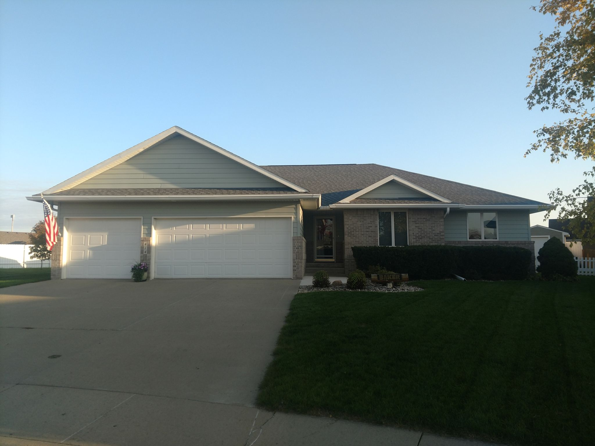 414 Emby Ct