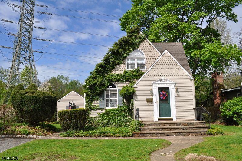 18 Bergen Pl, Mahwah, NJ 07430   3 Bed, 1 Bath Single Family Home   MLS  #3555554   20 Photos | Trulia