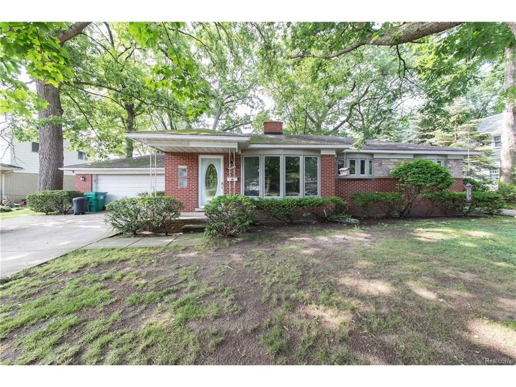 31043 Brown St, Garden City, MI 48135 - Estimate and Home Details ...