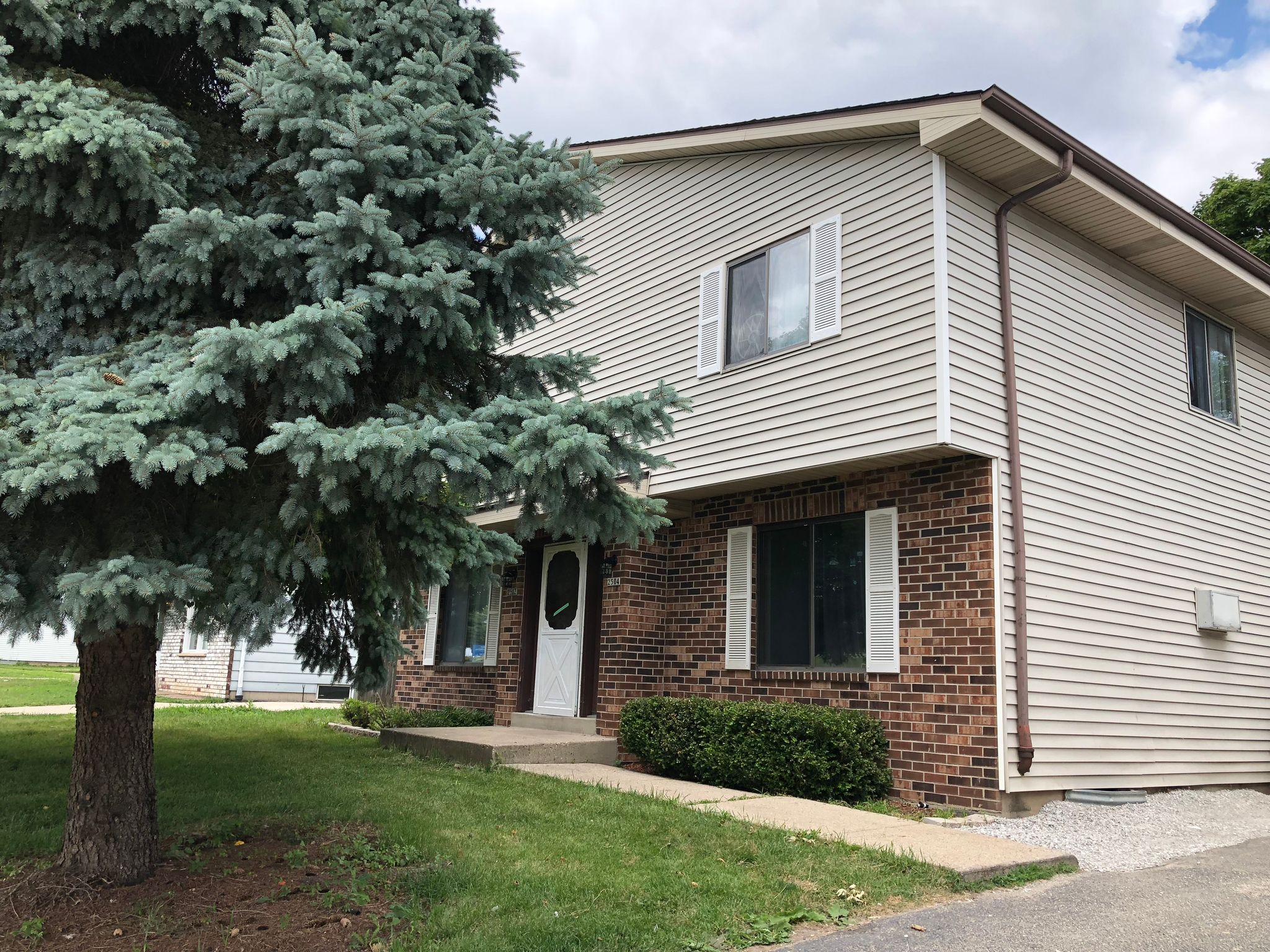 2502 E College Ave 4 For Sale Cudahy Wi Trulia