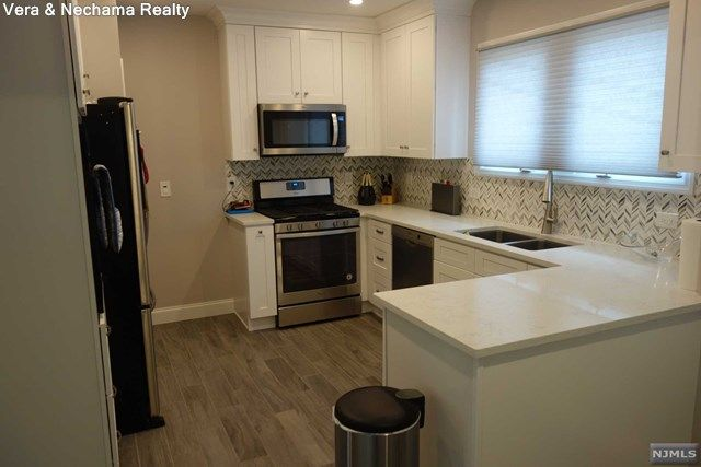 215 Johnson Ave Teaneck Nj 07666 5 Bed 3 Bath Single Family