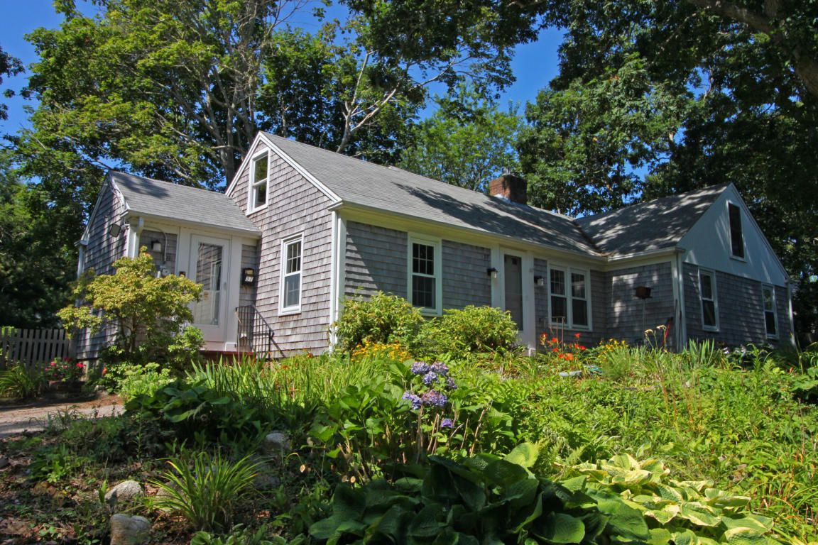 hyannis private yards home ma cod id cottage vacation per bay beach in rental google cape lewis rentals