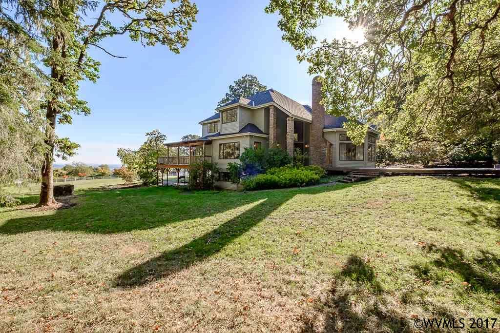 2294 Wooded Knolls Dr