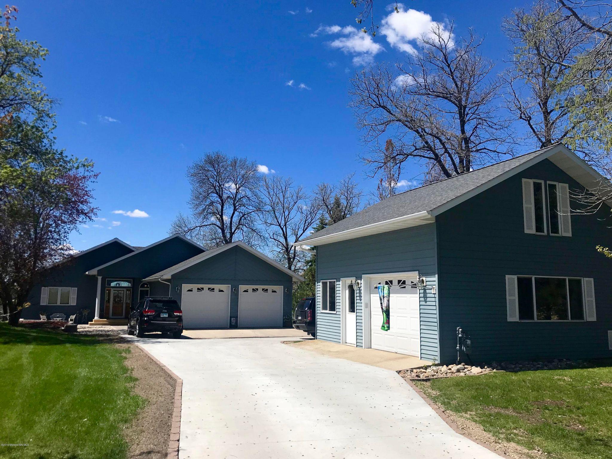 2268 Long Lake Rd, Detroit Lakes, MN 56501 - 4 Bed, 2 Bath Single-Family  Home - MLS #20-26179 - 44 Photos | Trulia