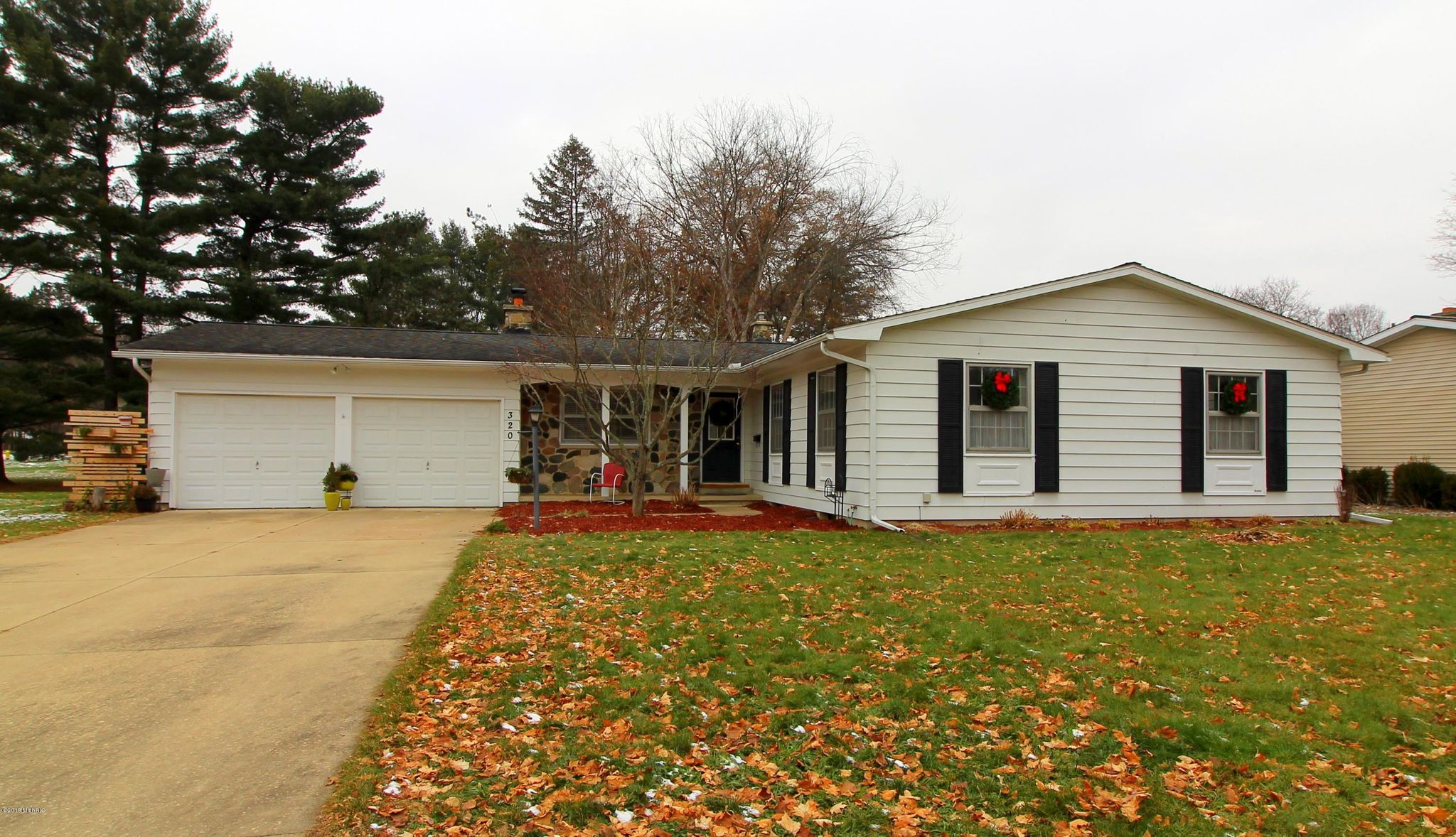 320 S Moorland Dr Battle Creek Mi 49015 3 Bed 2 Bath Single Family Home Mls 18057886 19 Photos Trulia