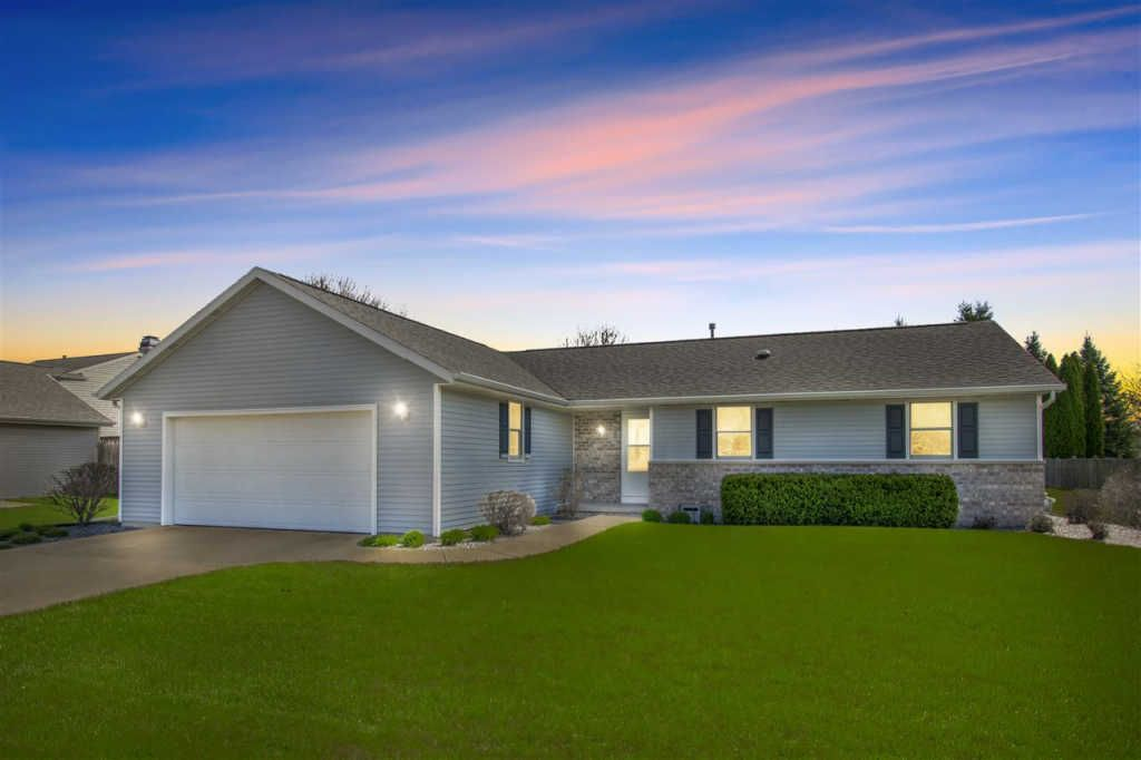 Little Chute Wi >> 1718 Valley Ln Little Chute Wi 54140 3 Bed 2 Bath Single Family Home Mls 50202785 26 Photos Trulia