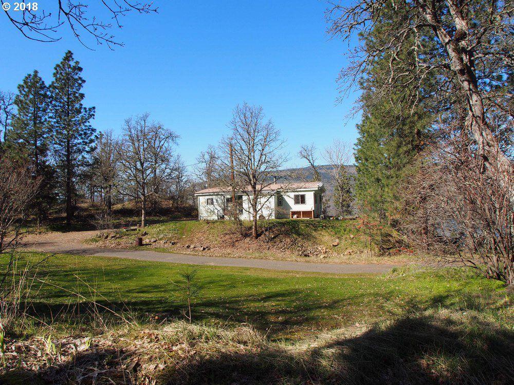 Sensational 700 Oregon St Mosier Or 97040 3 Bed 2 Bath Mobile Home Interior And Landscaping Oversignezvosmurscom