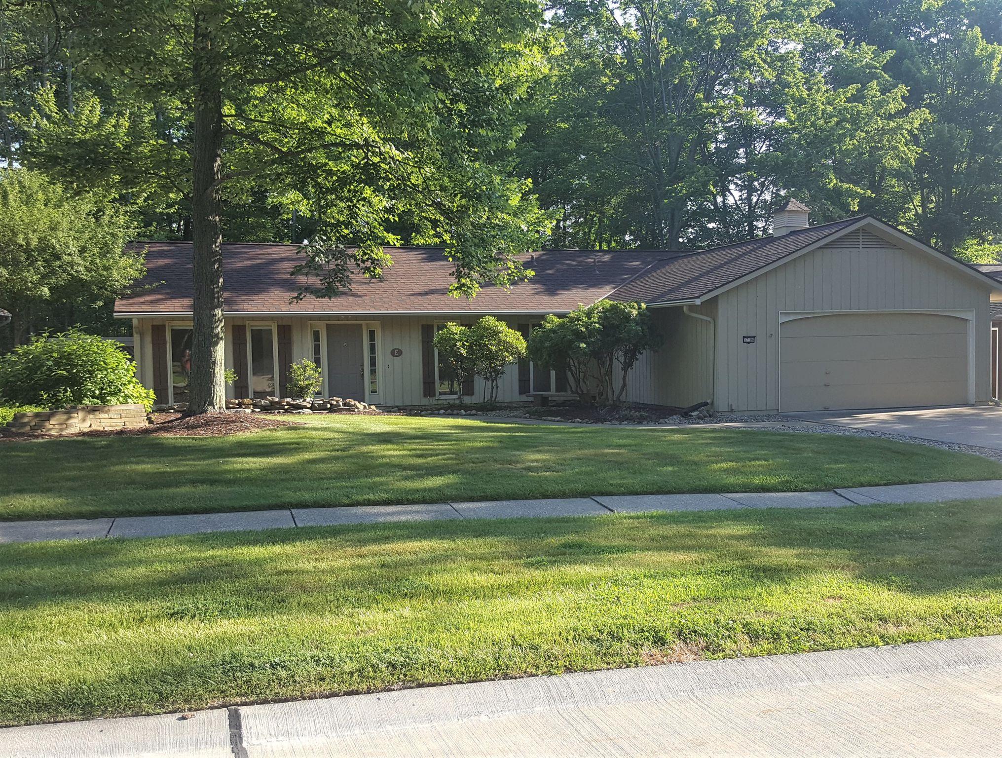 17104 Woodleaf Rd For Sale - Strongsville, OH | Trulia