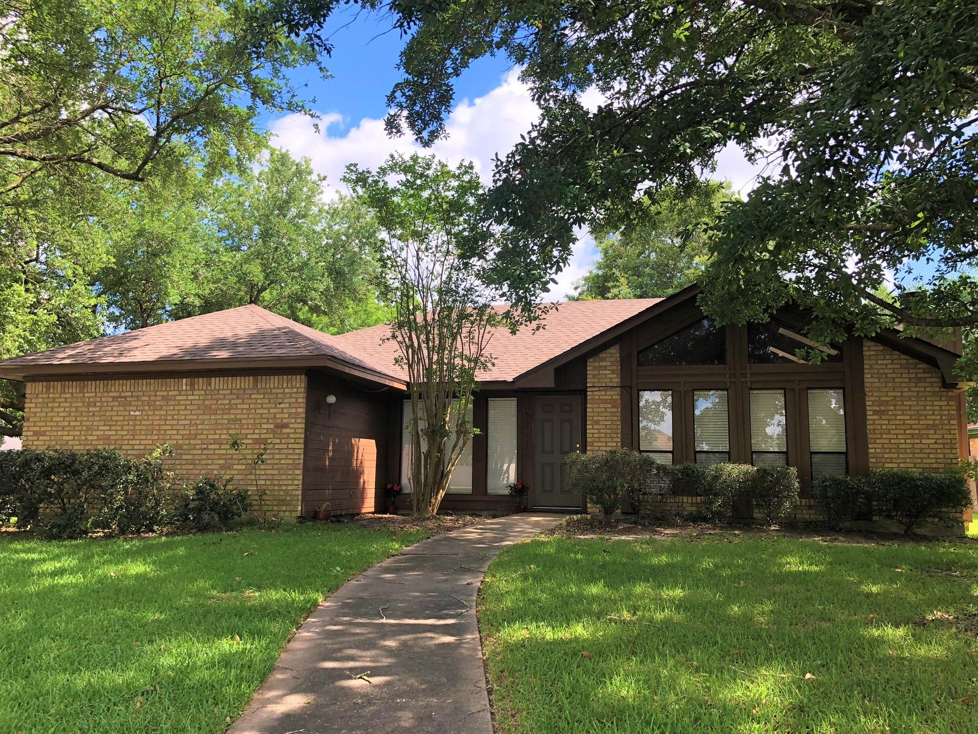 8215 Thad Ln Beaumont Tx 77706 3 Bed 2 Bath Single Family