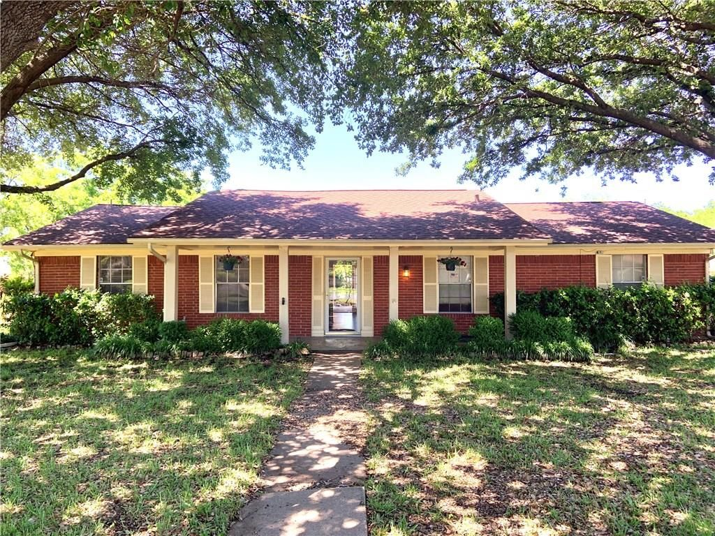 Marvelous 326 Melorine Dr Grand Prairie Tx 75051 4 Bed 2 Bath Single Family Home Mls 14111648 7 Photos Trulia Complete Home Design Collection Papxelindsey Bellcom