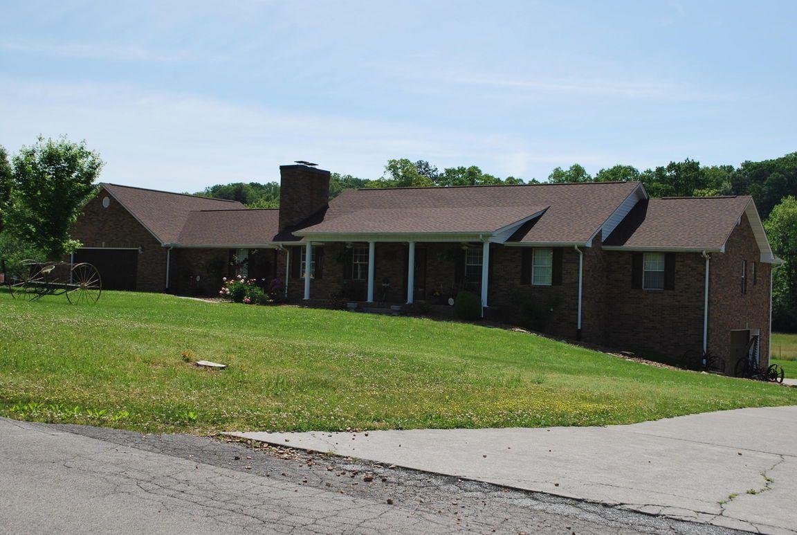 675 Baker St, Seymour, TN 37865 - 3 Bed, 5 Bath Single-Family Home - MLS  #1079357 - 35 Photos | Trulia