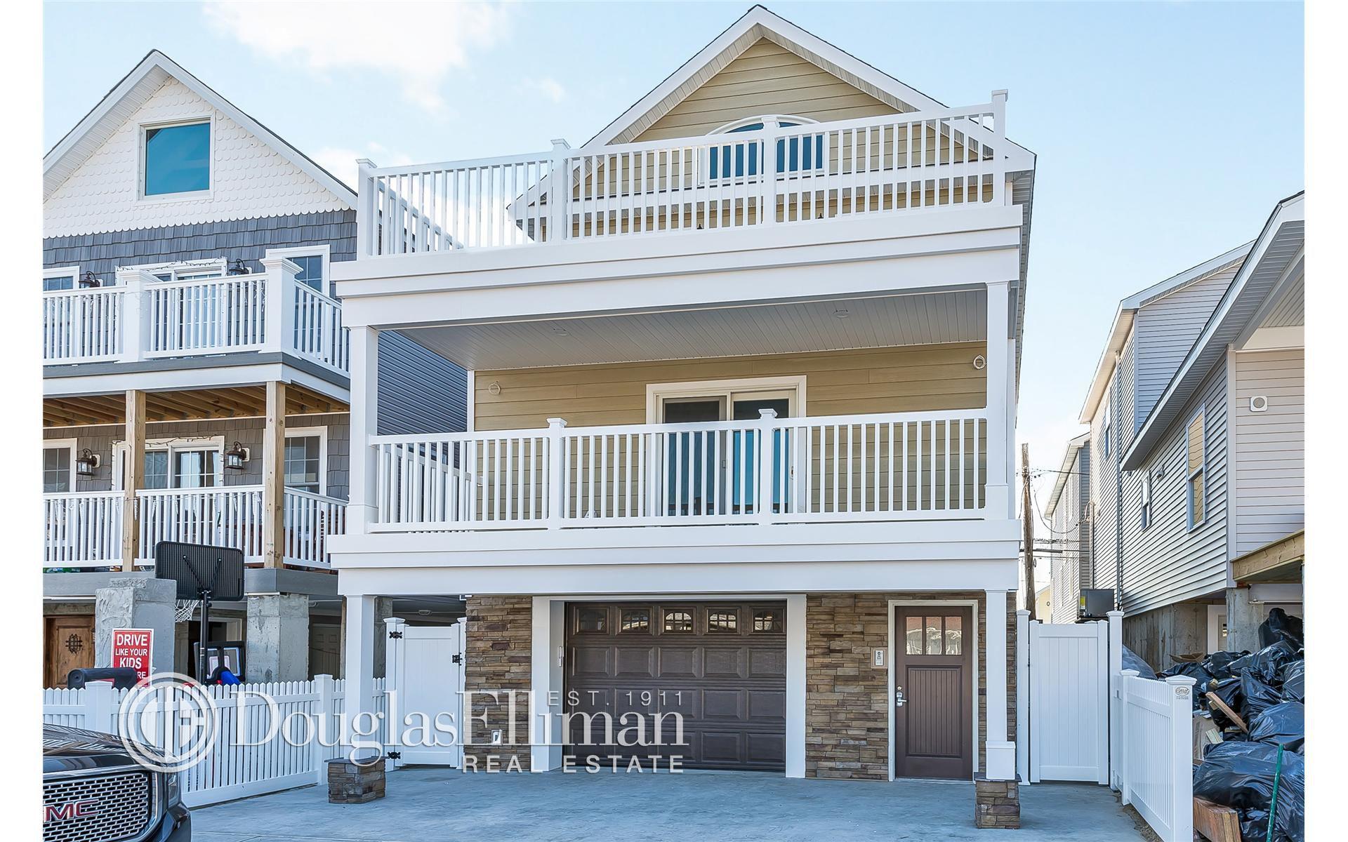 102 New Hampshire St For Sale - Long Beach, NY | Trulia