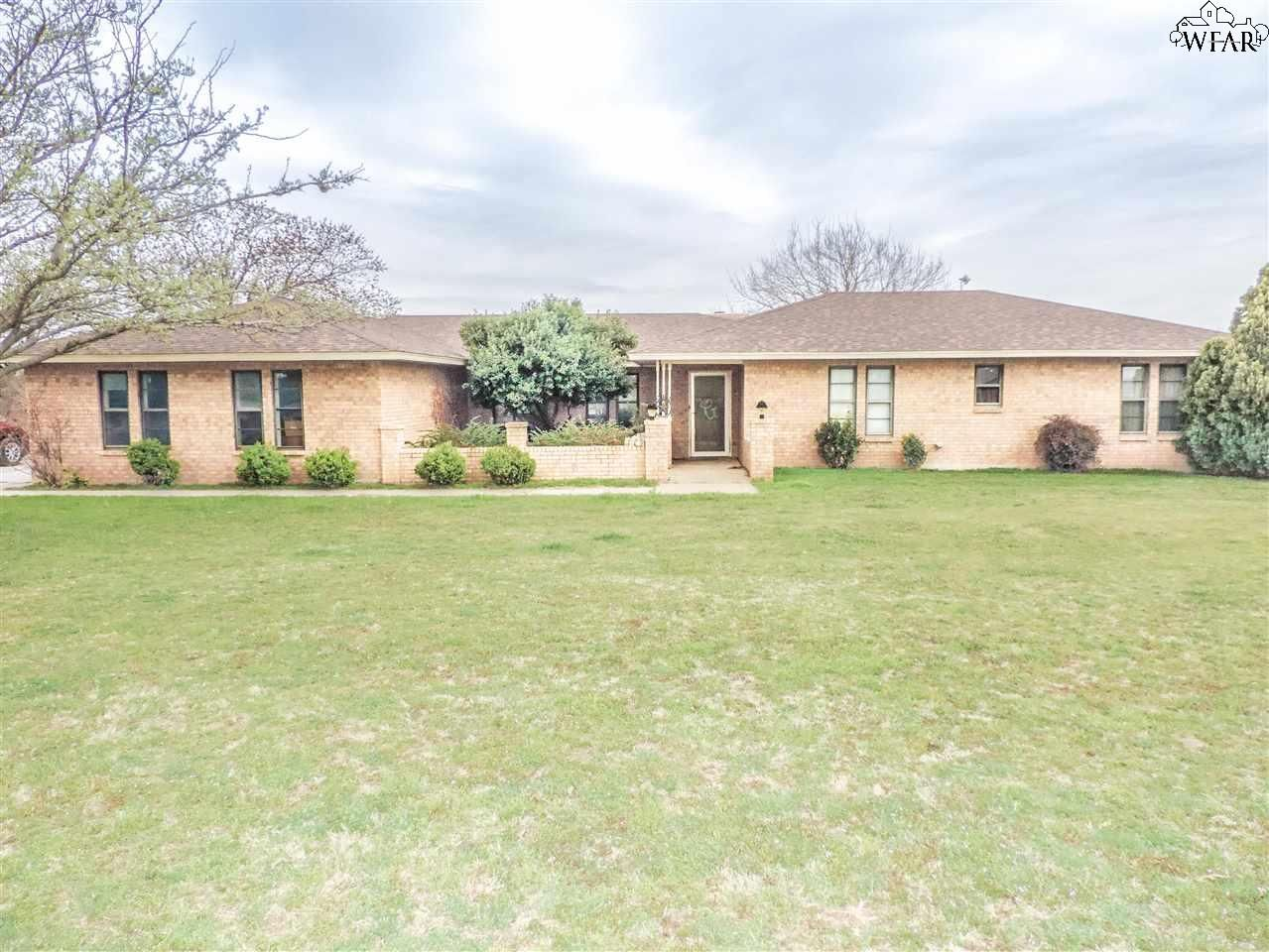 Texas archer county holliday 76366 - 255 E Little Lease Rd