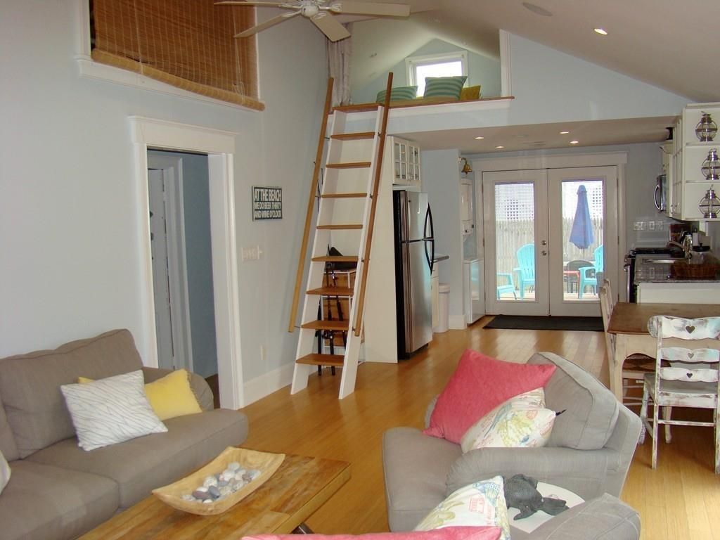 10 Irving Rd, Scituate, MA 02066 - 2 Bed, 1 Bath Single-Family Home - MLS  #72494047 - 17 Photos | Trulia