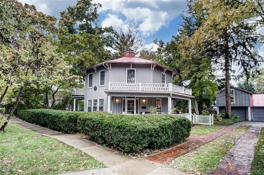 111 W Whiteman St Yellow Springs Oh 45387 4 Bed 3 Bath Single
