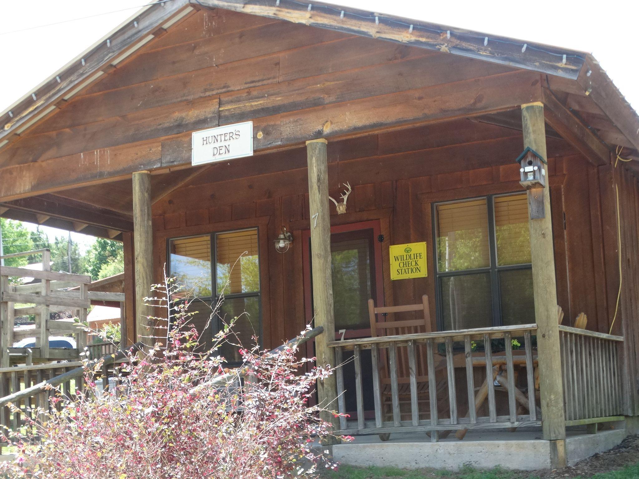 Pinewood Cabin #7