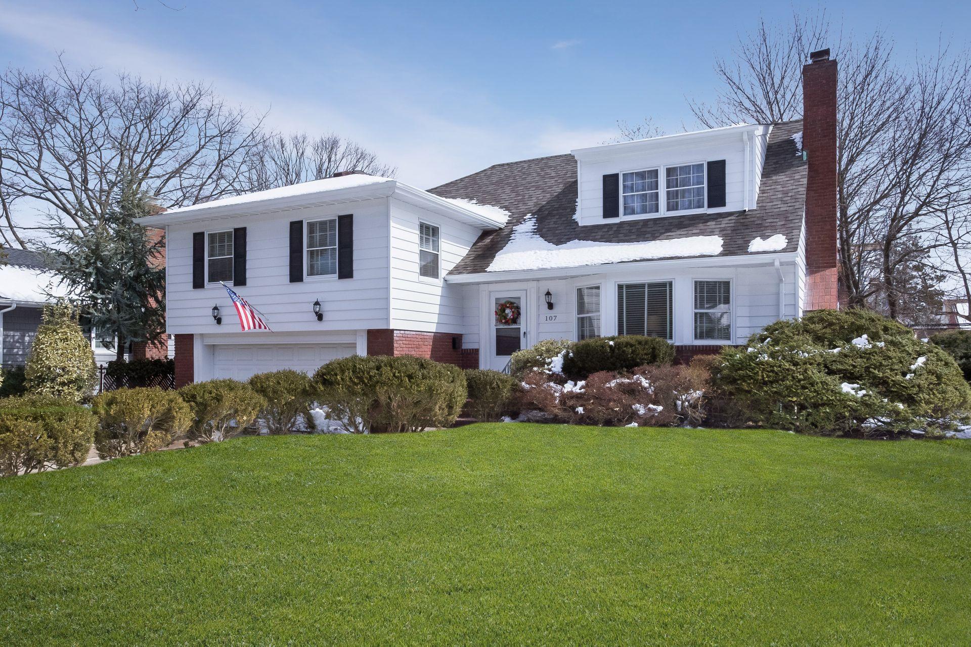 107 Lefferts Rd For Sale - Garden City, NY | Trulia
