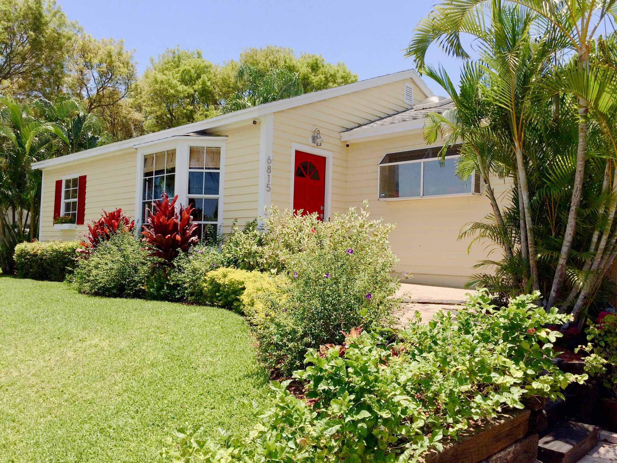 6815 Lake Ave, West Palm Beach, FL 33405 - Estimate and Home Details ...
